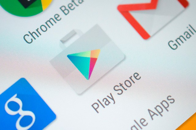 Google snižuje počet povinných aplikací
