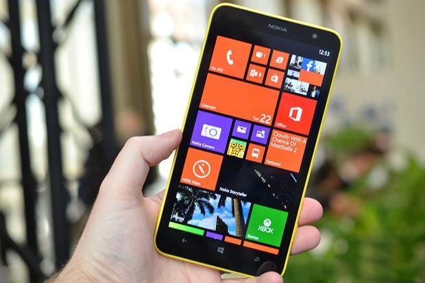 Nokia Lumnia 1320 v ČR