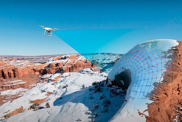 Nový dron DJI Phantom 4 se vyhne překážkám!