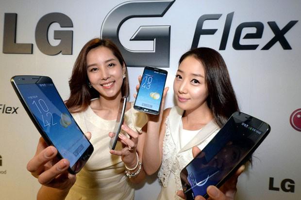 Zakřivený LG G Flex v prodeji v únoru