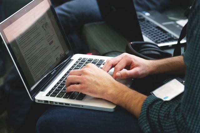 Česká obchodní inspekce si došlápla na e-shopy