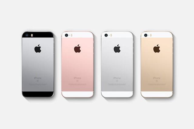 Na iPhone SE se čeká, v obchodech není dostupný