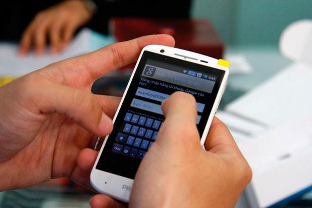 Měsíční útrata za mobil je 400 Kč