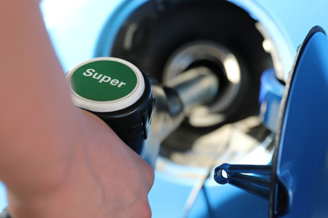 U Shellu zaplatíte benzín rovnou zauta