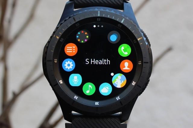 Samsung Gear S3,S2 a Fit2 nyní připojíte i k iPhonu