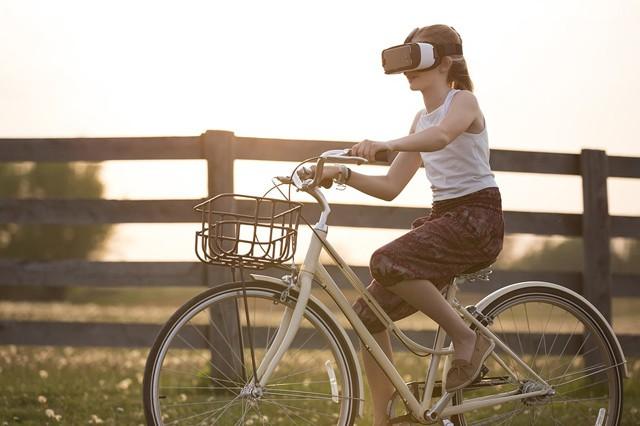 Brýle od Applu pro rozšířenou realitu přijdou možná již letos