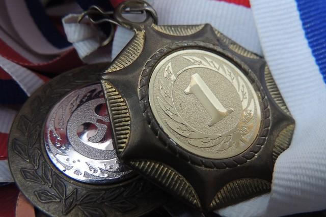 Medaile pro OH budou vyrobeny zmobilů