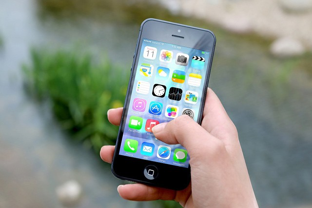 V sítích mobilních operátorů v roce 2016 bylo přeneseno 88 petabajtů dat