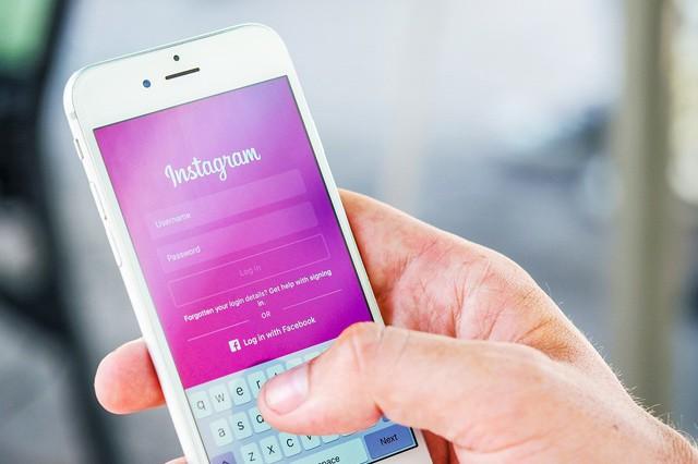 Dáváte fotky svých dětí na sociální sítě?