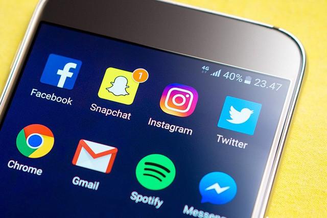 Instagram stále válcuje Snapchat