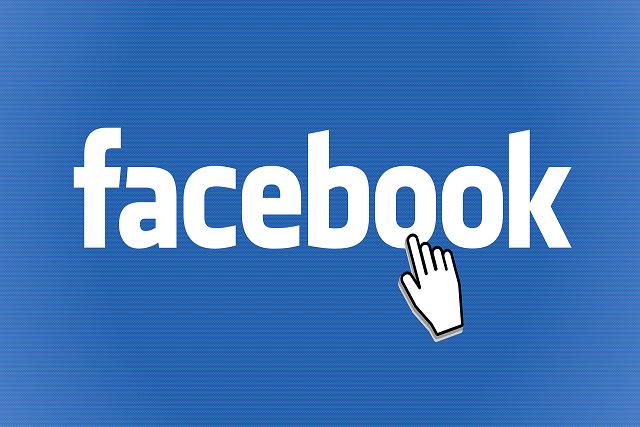 Facebook chce vaše hanbaté fotky! Prý vás tak ochrání
