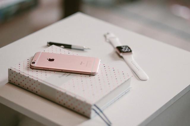 iPhone X slaví na trhu úspěch