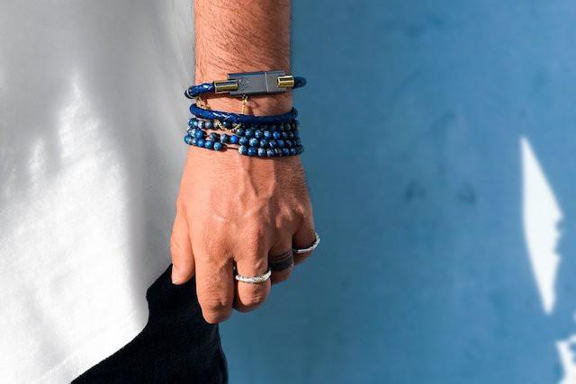Stylový chytrý náramek Bolt Charging Bracelet