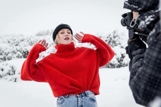 O2 se podílelo na natáčení videoklipu Emmy Drobné