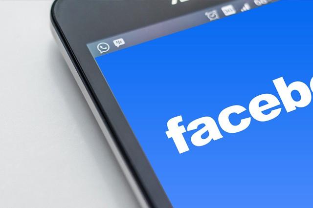 Facebook: Více přátel, méně reklamy