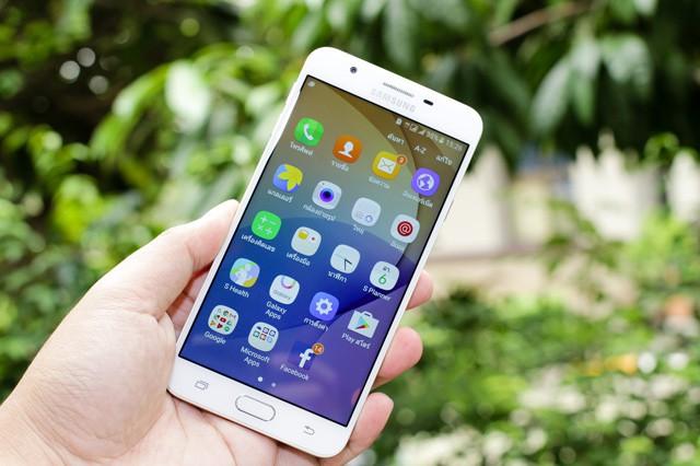 Samsung chce zabudovat přední fotoaparát pod displej