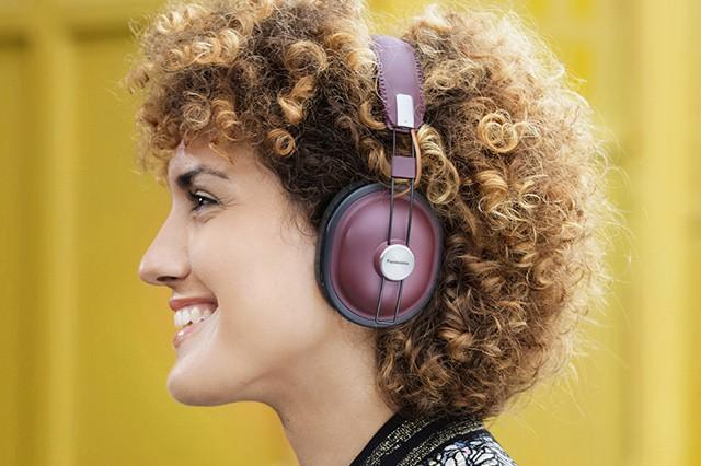 Hudba budoucnosti? Sluchátka HTX80 od Panasonic