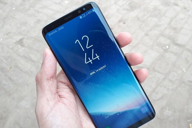 Nejprodávanější telefony má Samsung, Apple je až dvojka