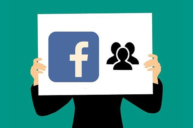 Na kolik by přišel Facebook bez reklam?