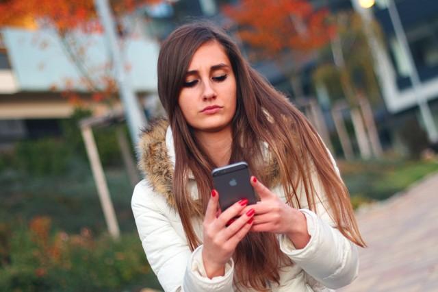 Pozo! Tahle zpráva vám totálně zaseká smartphone!