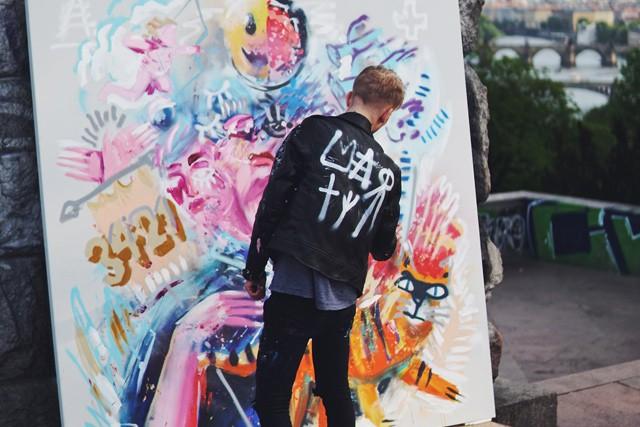 O2 prezentuje nové tarify prostřednictvím mladého umělce