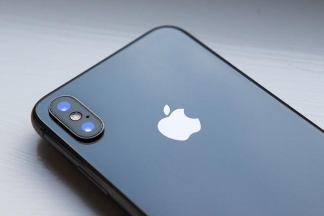 iPhone X přežil 2 týdny pod vodou!