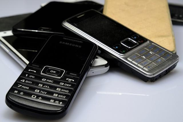 Jak dopadají telefony v českých domácnostech?