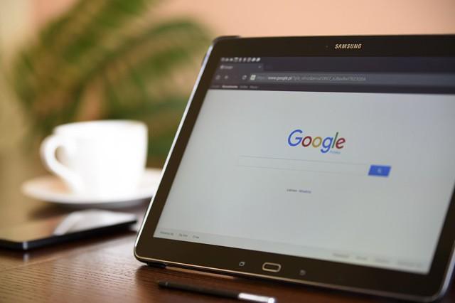 Diktování od Google už rozpozná tečky a čárky