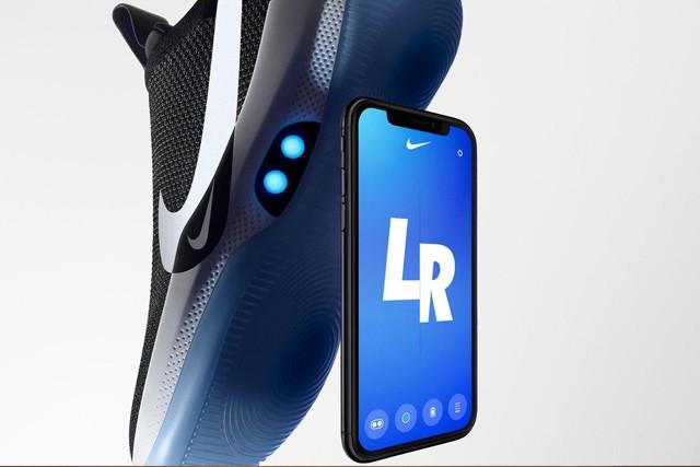 Chytré boty od Nike se zavazují pomocí appky!