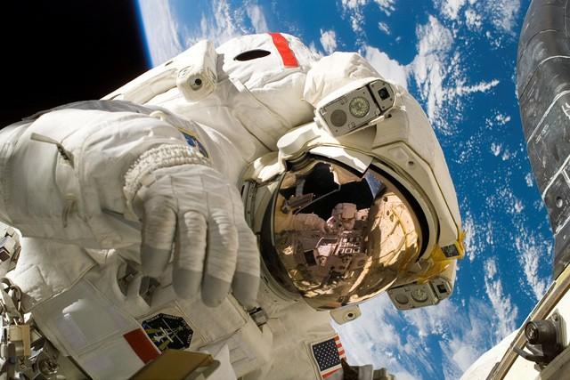 Vyzkoušejte si s Vodafonem práci astronauta!