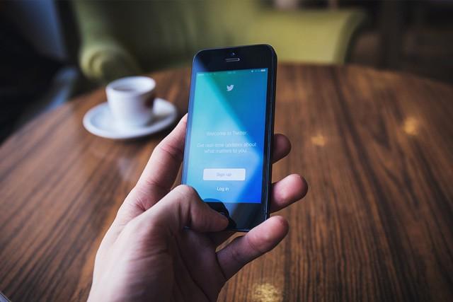 Twitter testuje uspávání příspěvků a další