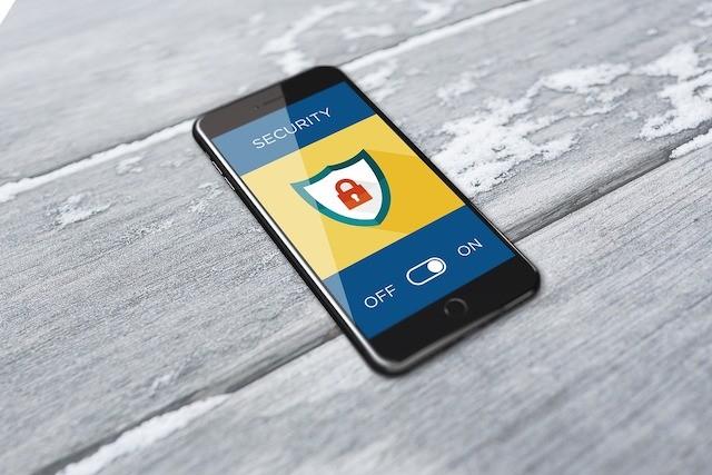 Češi stále více dbají na zabezpečení svých telefonů
