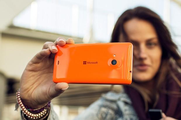 První model Lumia pod taktovkou Microsoftu