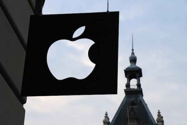 Apple bude dodávat díly neautorizovaným servisům