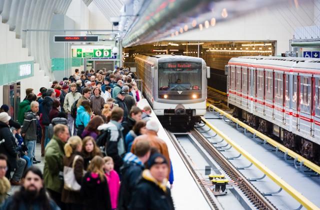 Praha může do metra nasadit autopiloty