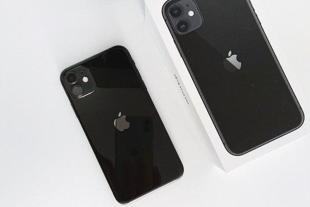 Nové iPhony mají problém s poškrábanými displeji