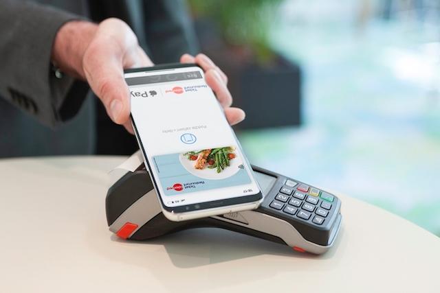 Digitalizace stravenek: za obědy už můžete platit mobilem