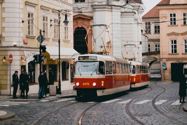 V pražské MHD už plastovou kartu nepotřebujete
