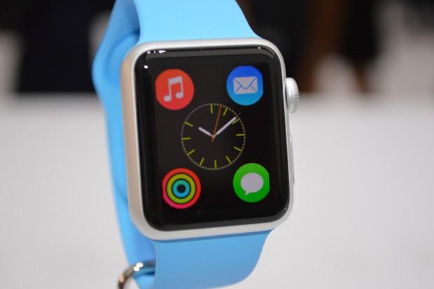 Apple Watch si objednalo už více než 2 mil. lidí