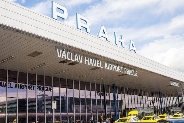 Pražské letiště začalo živě streamovat přistávací dráhu