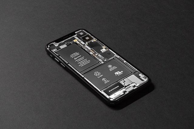 Apple zaplatí 11 miliard za zpomalování iPhonů