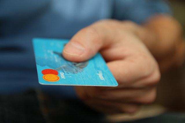 Výpis z platebních transakcí odhalil, že polovina lidí vracejících se z Itálie nedodržela karanténu
