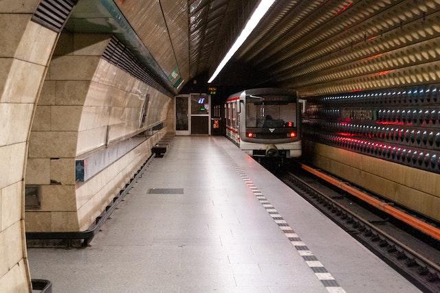 LTE signál je nově dostupný ve stanicích metra Můstek a Muzeum