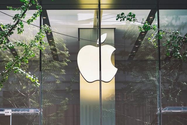 Apple zaplatil Samsungu 950 milionů dolarů za neodebrané displeje