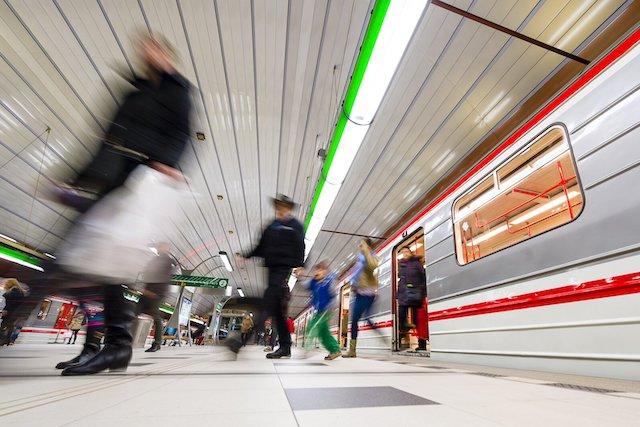 Bezplatná Wi-Fi v pražském metru skončí v roce 2022