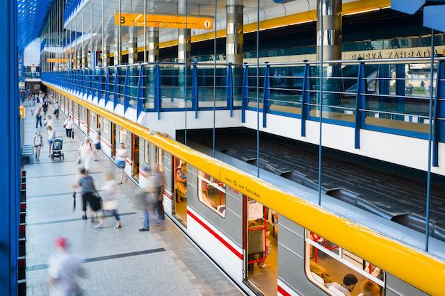 LTE signál nově pokrývá stanici metra Karlovo náměstí