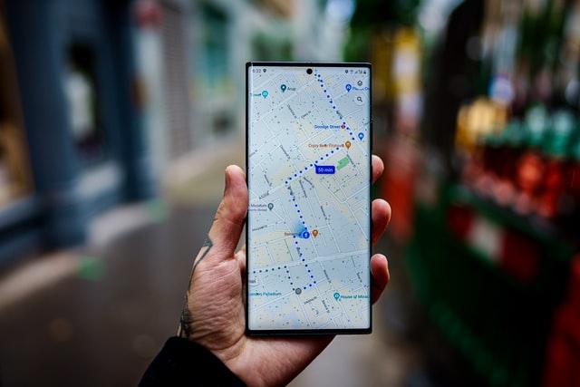 V Google Mapách můžete nově platit za parkování
