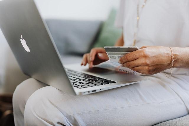 E-shopy s elektronikou hlásí nárůst objednávek až o 80 %