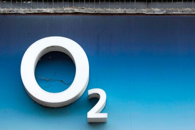 Čistý zisk O2 stoupl o polovinu