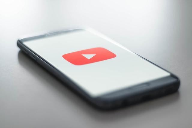 YouTube přidá reklamu do všech videí